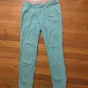 $5 for $25 ☀️ROXY cropped pants